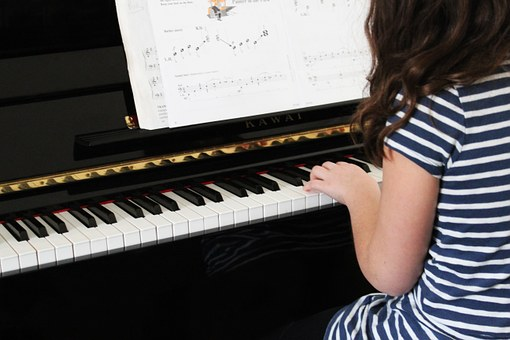 The Useful Pianist 7: Two games to play on the piano