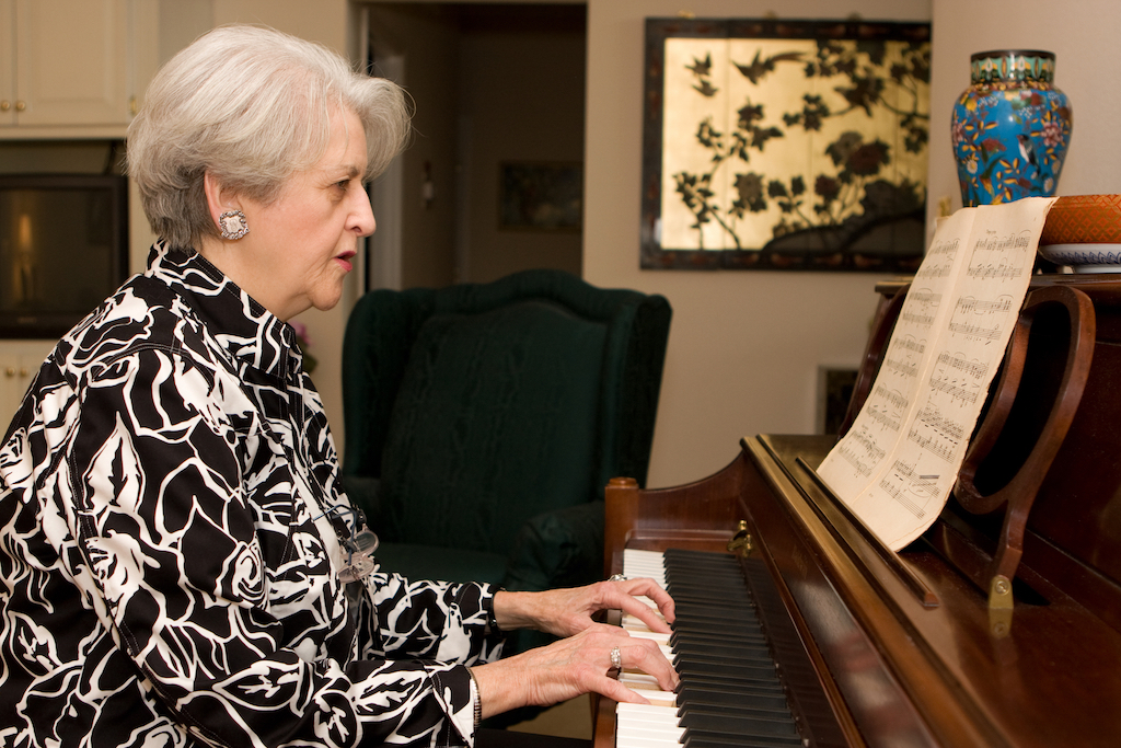 Here's gran at the piano!